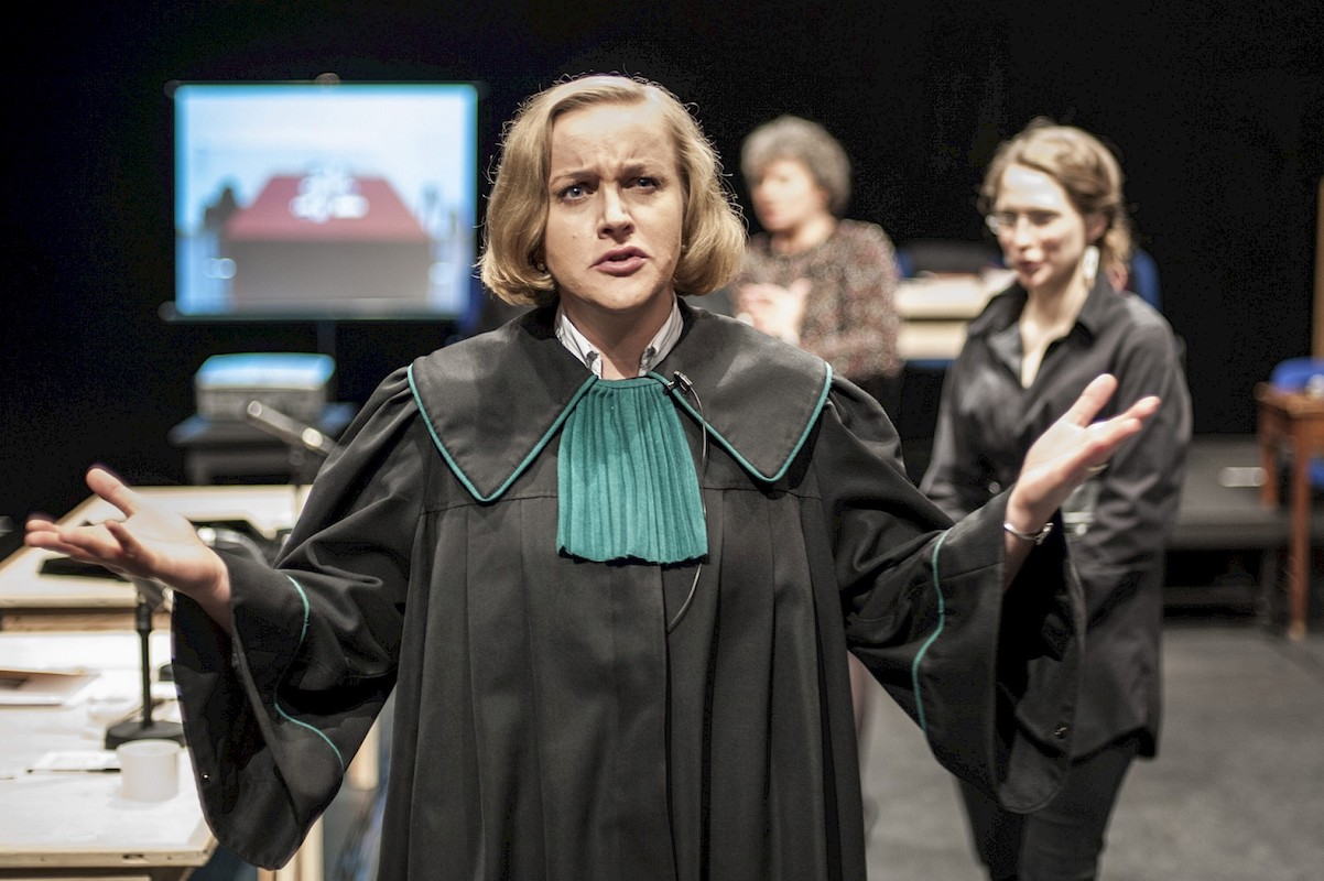 Ana Berkenhoff- Please Continue Hamlet7