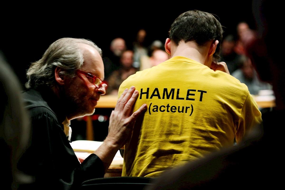 Ana Berkenhoff- Please Continue Hamlet8